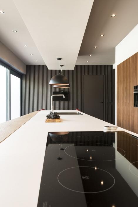 Design keuken met houten kastjes