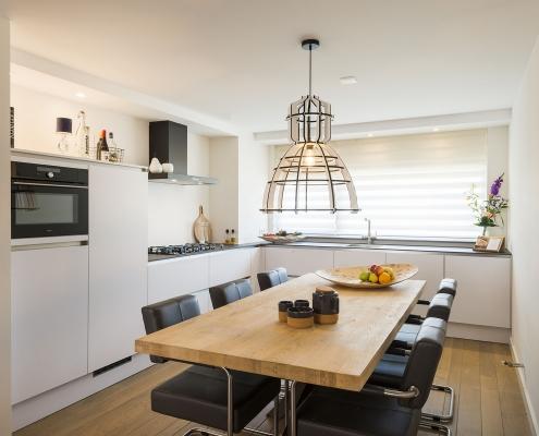 greeploze moderne woonkeuken bij Zenner Keukens