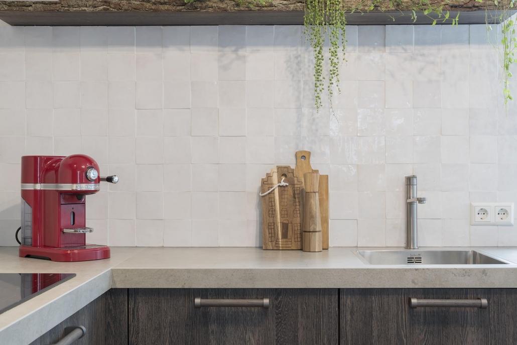 Marme keukenblad in robuuste keuken