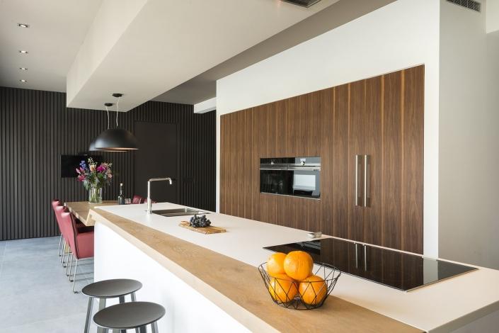 Designkeuken met houten effecten